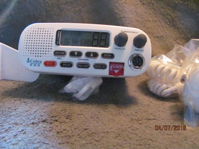 Fore Sale Marine Radio-img_0242-jpg