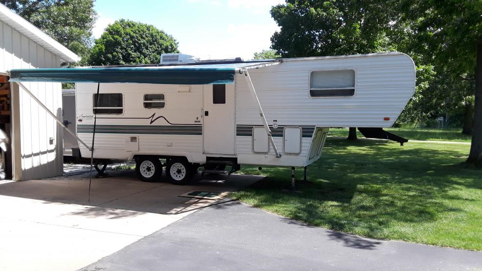 1998 26' 5th wheel set-up for Fishermen Double Tow-20190611_151256-jpg