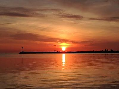 Lake Erie Sunrise May 26th, posted by Captain Juls by Walleye_Rick in Main Album